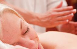 Oscillations sportif - Massothérapie thérapeutique - Service à la clinique À Massanté