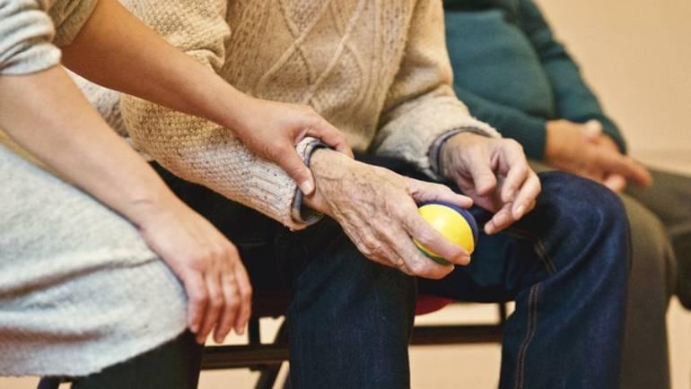 Le massage pour personnes âgées